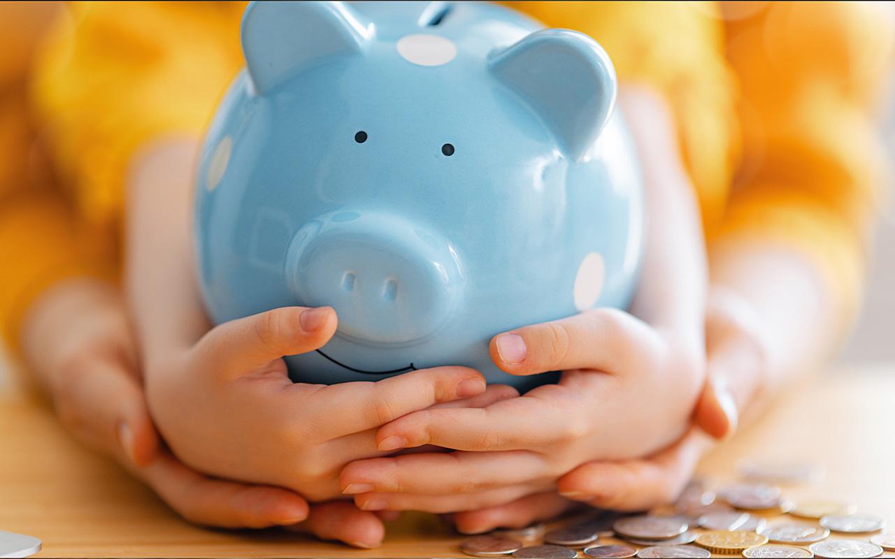 kid-piggy-bank.jpg